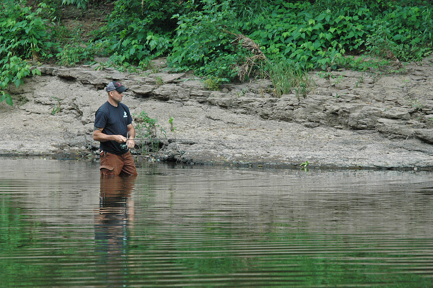 Wet wading for smallmouth bass monocacy river augie 39 s for Is a fish wet